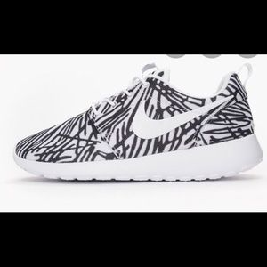 Nike roshes shoes